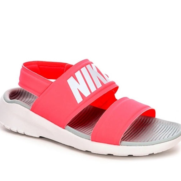 finest selection b9909 297dd Pink Nike Tanjun Sandals. M 5b551e07d365be48885b6698
